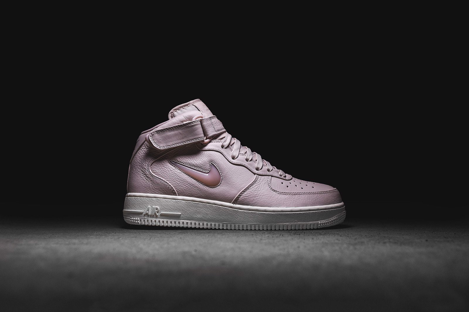 Nike Air Force 1 Mid Retro Prm 'Silt Red' 941913-600