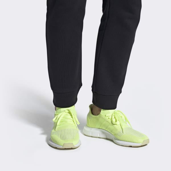 Adidas Swift Run 'Hi-Res Yellow' DB2704