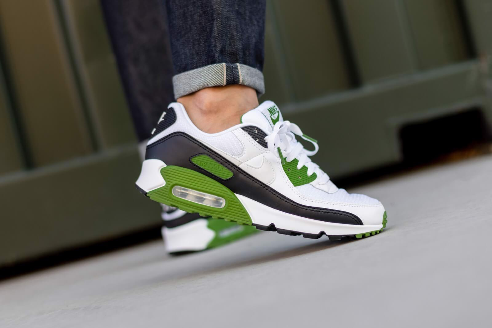 Giày Nike Air Max 90 Recraft Chlorophyll CT4352-102