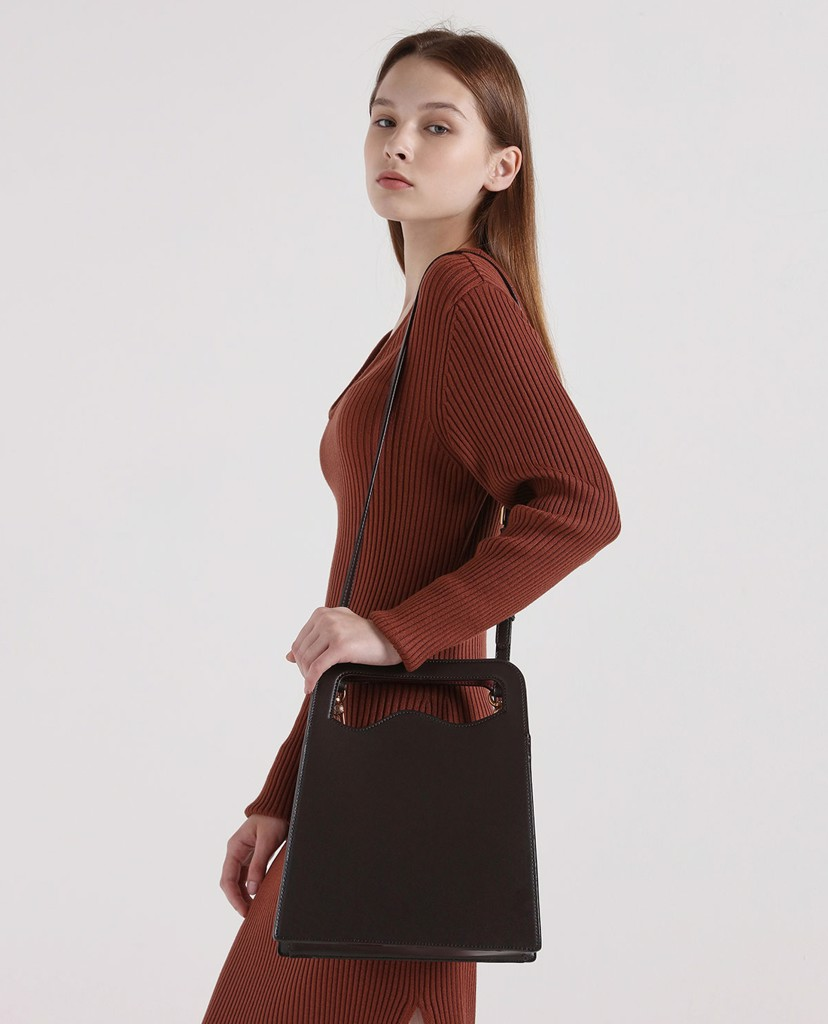 CHARLES & KEITH- Túi đeo vai Asymmetric Cut Top