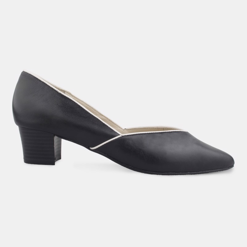 Trapeze Leather Pumps