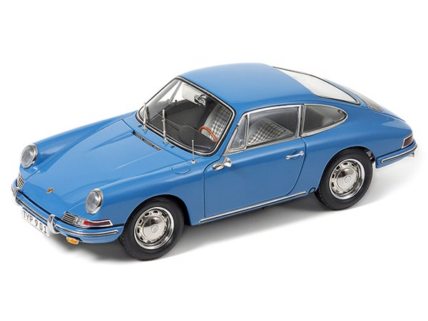Porsche 901 (series-production) 1964 CMC  1:18 sky blue