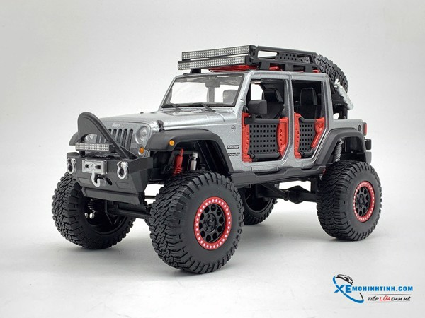 Jeep 2015 Wrangler Unlimited 1:24 Maisto ( Bạc )