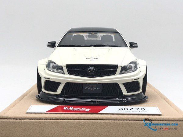 Mercedes-Benz C63 Liberty Walks 1:18 ( Trắng ) - Da