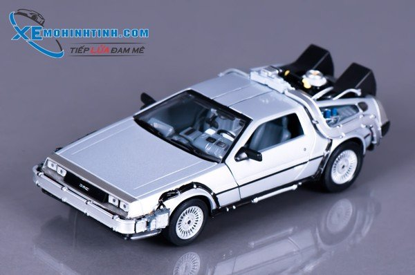 Xe Mô Hình Dmc Back To The Future I 1:24 Welly (Bạc)