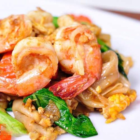 ผัดซีอิ๊ว ทะเล <br>Pad see ew hải sản <br>Fried noodle with seafood