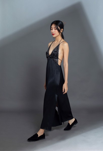 SATIN SILK SLIP DRESS/BLACK