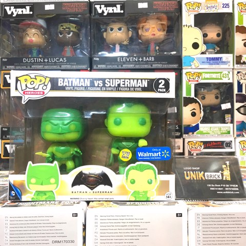FUNKO POP 2 Pack Batman vs Superman Glows in the Dark