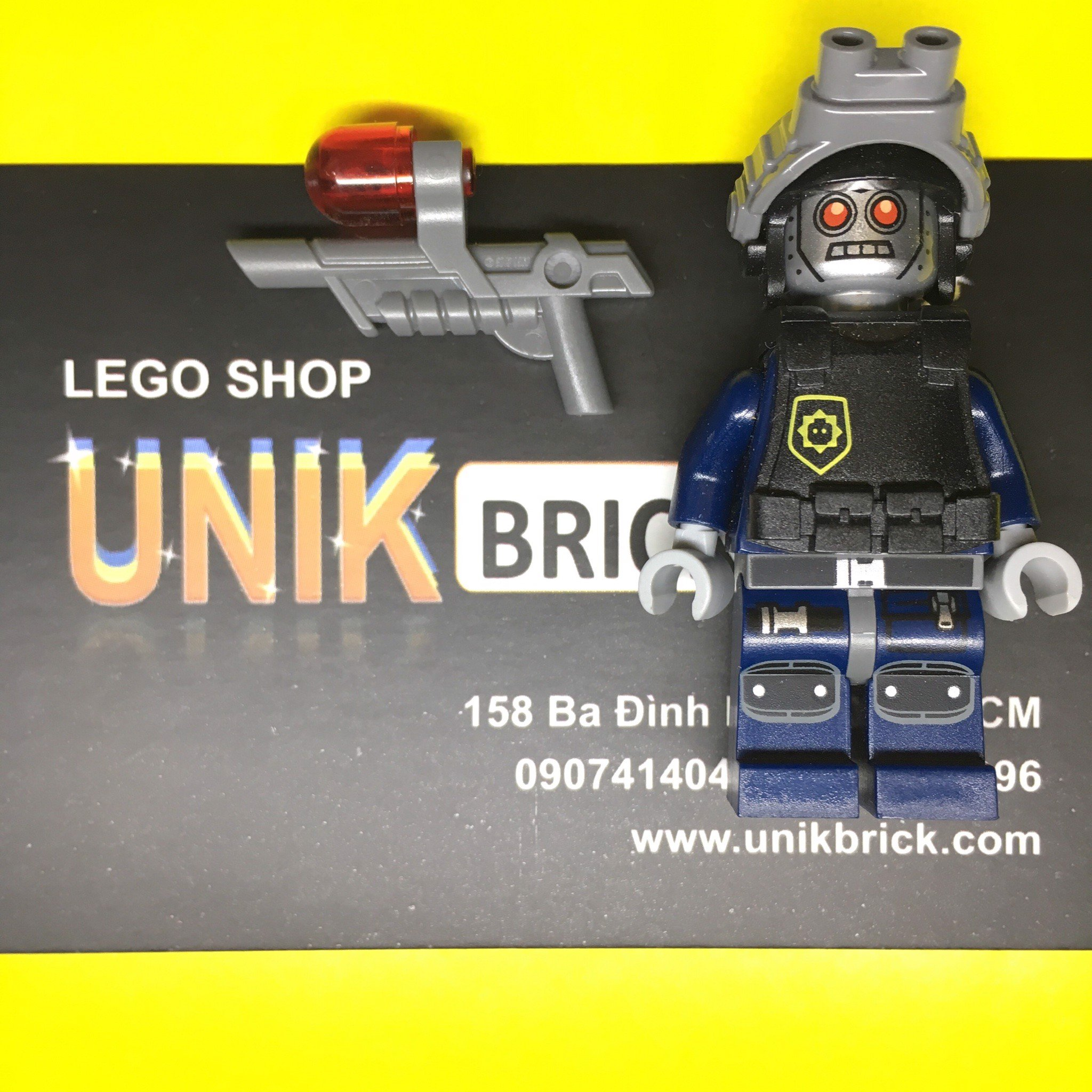 LEGO Movie Robo SWAT Cop (No.9)