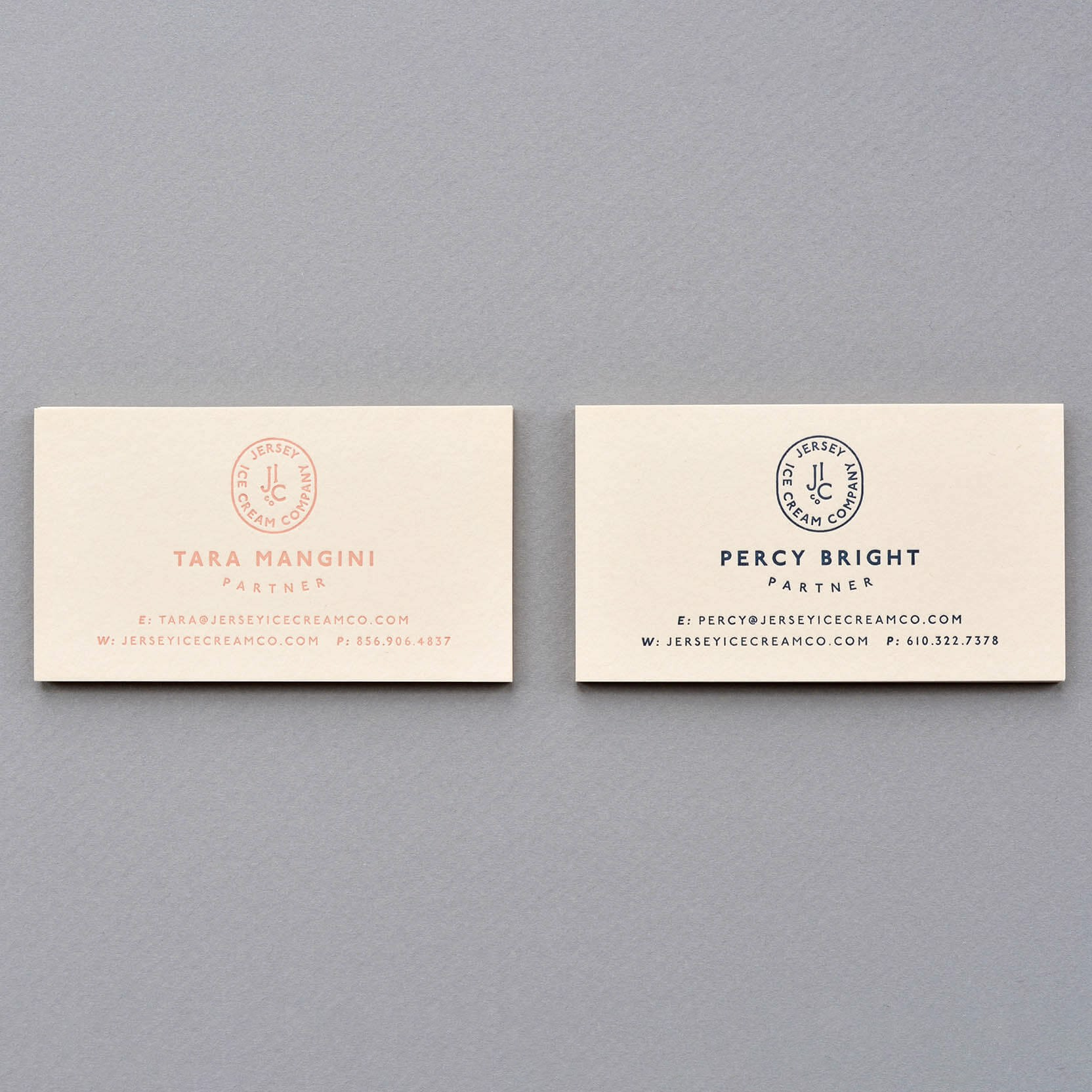 In Name Card giấy Cream sần