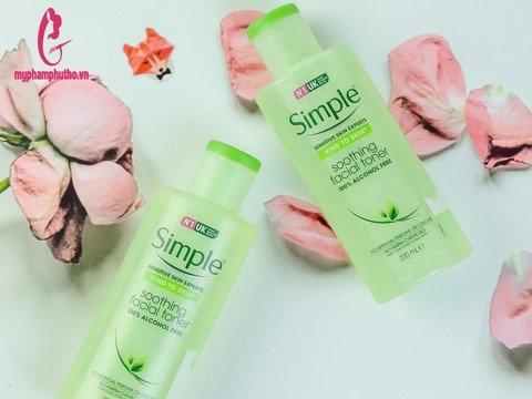 Nước Hoa Hồng Simple Sensitive Skin Experts Soothing Facial Toner