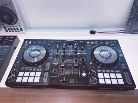 Pioneer DDJ-800 (Rekordbox DJ) [DEMO]