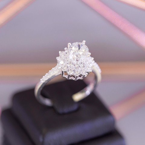 Nhẫn Premium Pointed Flower Diamond