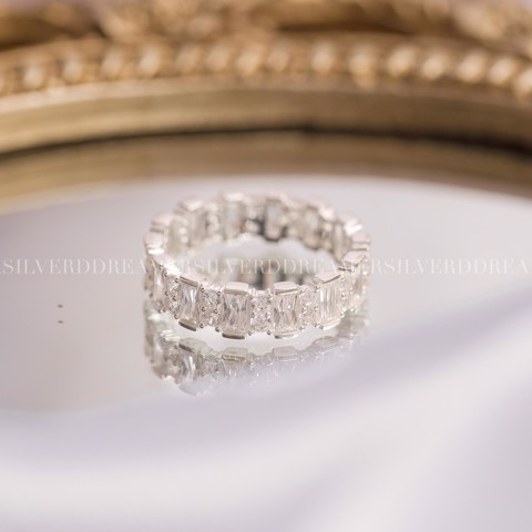 Nhẫn Premium Baguette Stone Small Band Ring