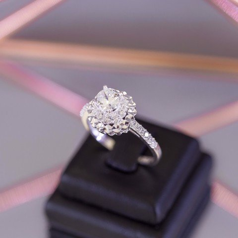 Nhẫn Premium MM Flower Base Diamond