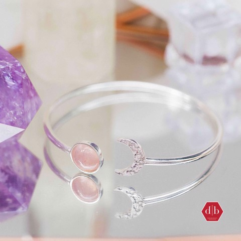 Kiềng Crescent Moon & Sunny Gem Stone (Thạch Anh Hồng)