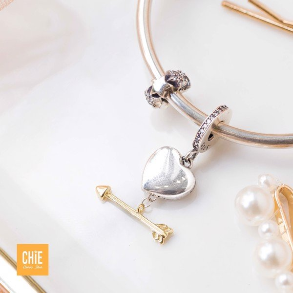 Charm Mystery Heart Golden Arrow