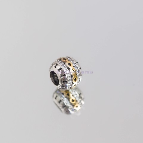 Charm Golden Infinity Ball