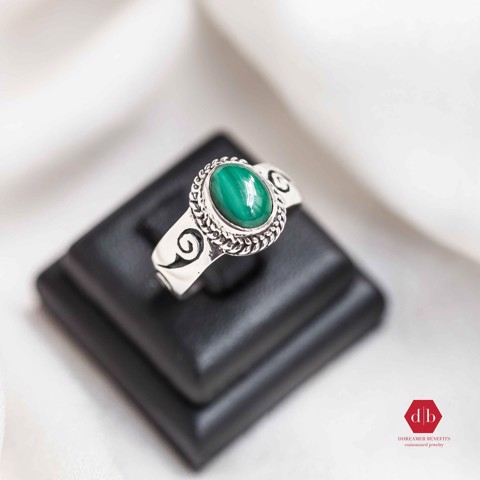 Nhẫn đá Emerald - Thick Wave Pattern Gem 1 Line