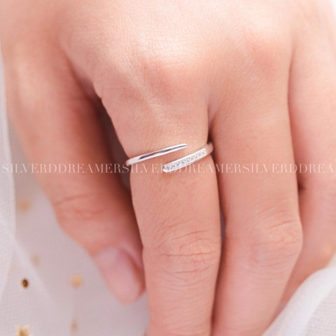 Nhẫn Pointy Stone Line Ring