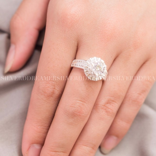 Nhẫn Premium Queen Sunny Diamond Circle