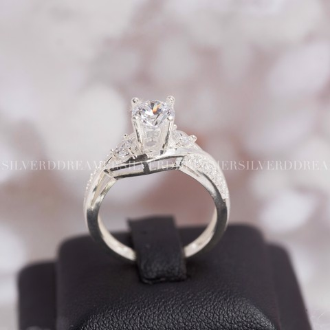 Nhẫn Premium Wave Base Stone Line Diamond