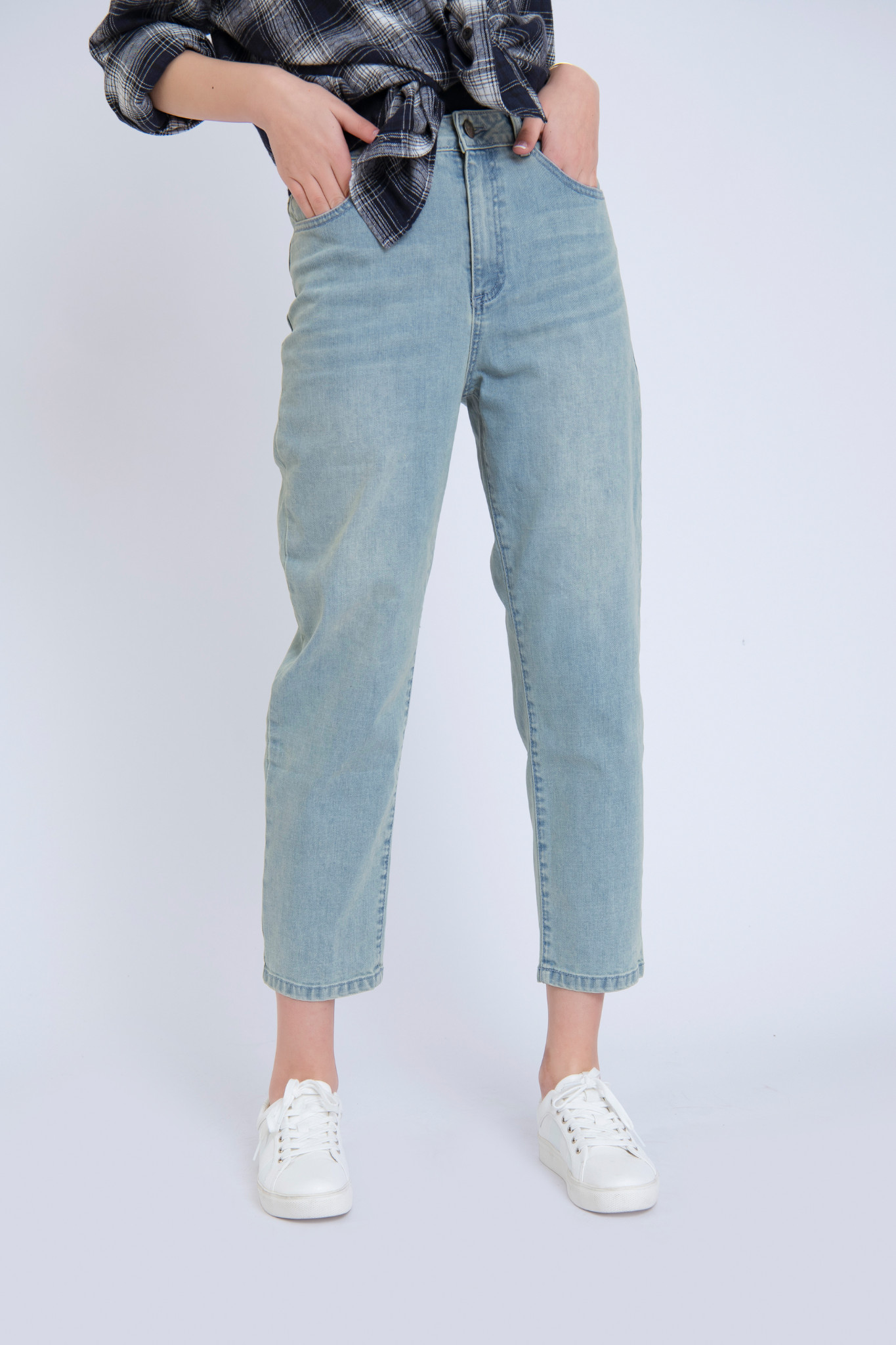 QUẦN JEANS NỮ MOM JEANS  BASIC