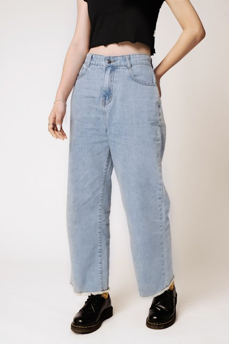 QUẦN JEANS NỮ CROP STRAIGHT