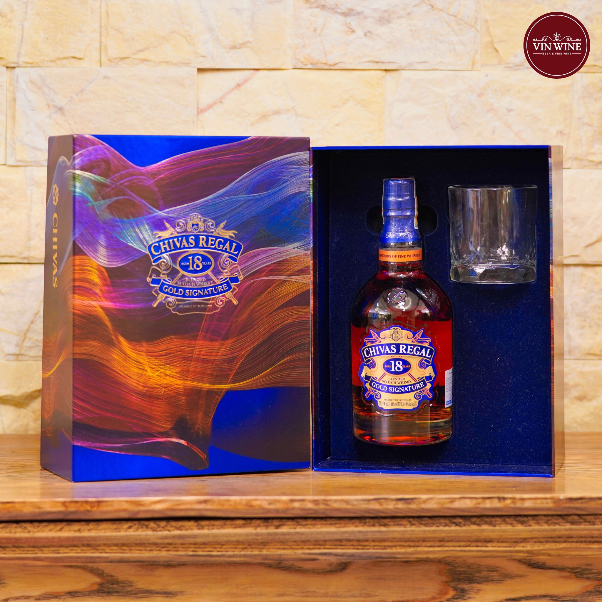 Chivas 18 Years Gold Signature Hộp Quà