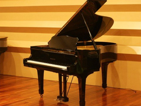Grand Piano Yamaha G3E Seri 3X