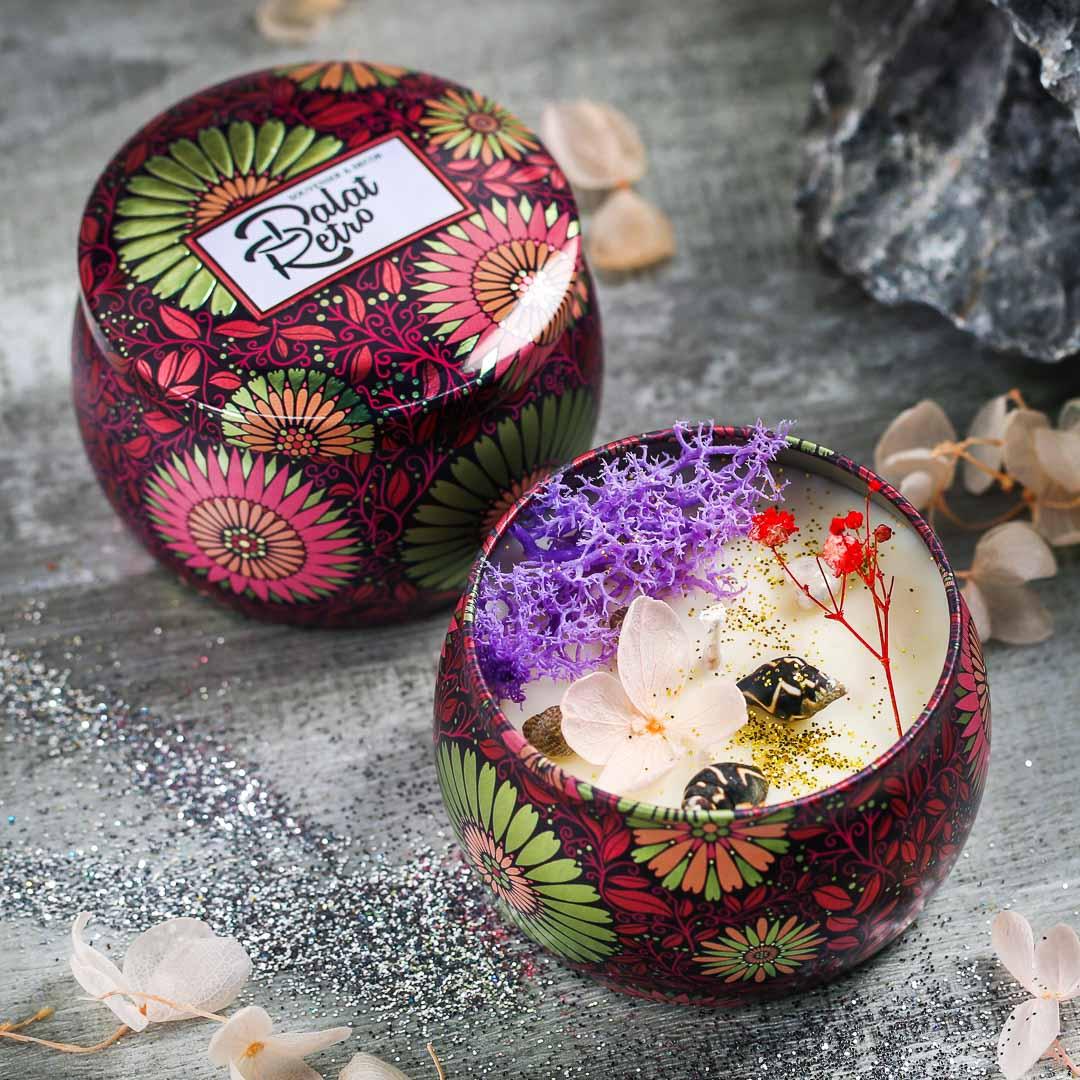 Nến thơm, 120g, hộp, mẫu hộp thiếc hoa văn, hương magnolia, Dalat Retro