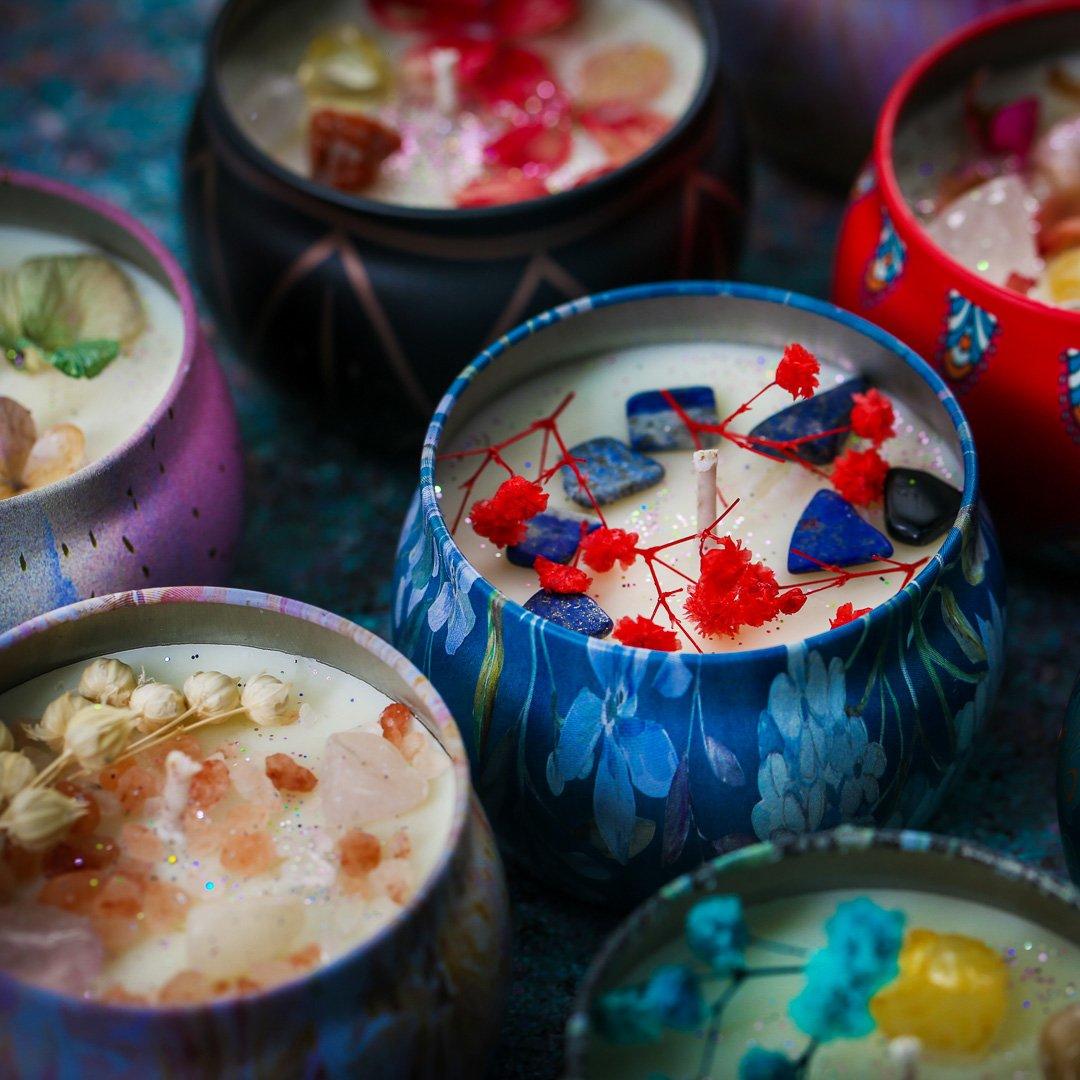 Nến thơm, 120g, hộp, mẫu hộp thiếc hoa văn, hương jasmine, Dalat Retro