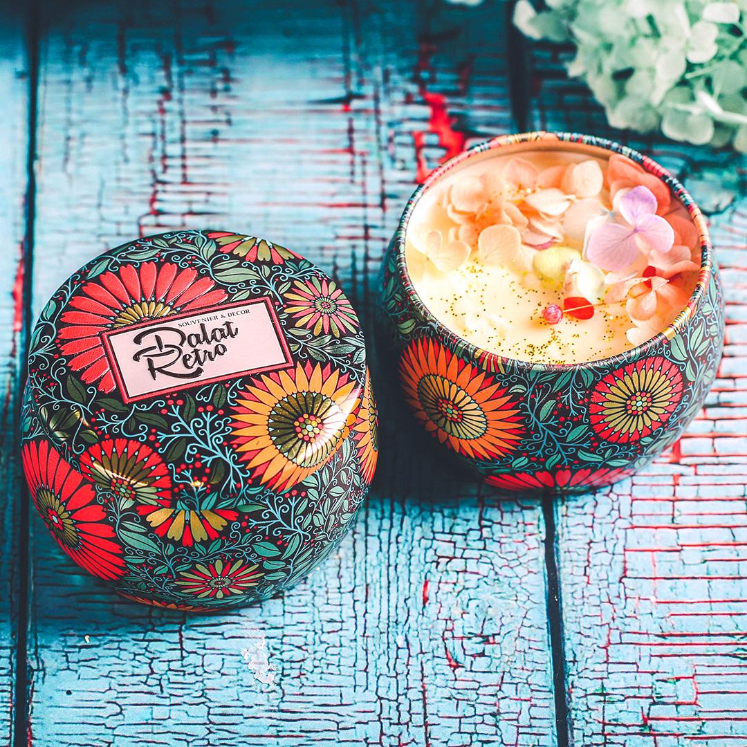 Nến thơm, 120g, hộp, mẫu hộp thiếc hoa văn, hương verbena, Dalat Retro