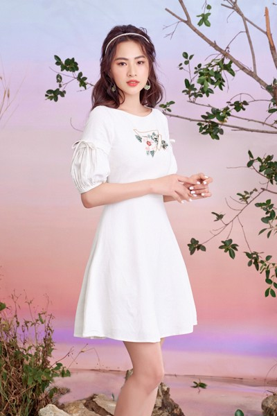 Simply White Embro Dress