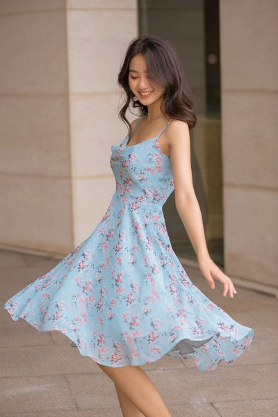 Loose Neck Fleur Dress