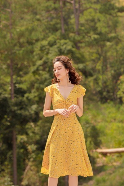 Sunny Frilled Neck Dress