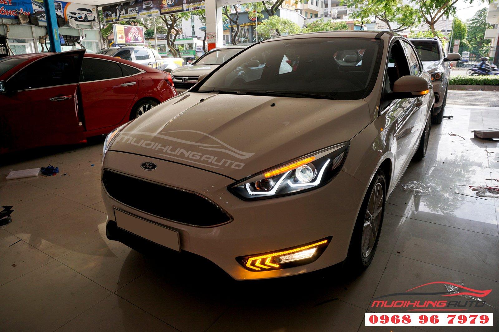 Ford Focus Thay Nguyên Cụm Đèn Pha Và LED Cản Trước – MƯỜI HÙNG AUTO