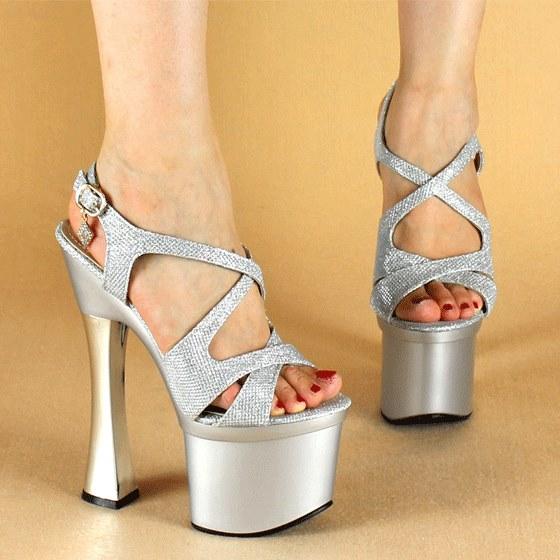 Giày kim tuyến Mia Selena size 36 ( bạc )