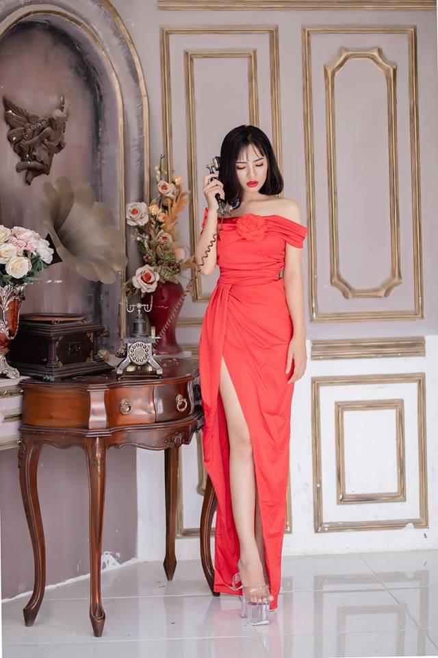 Đầm dạ hội Mia Selena thiết kế bẹt vai hoa trước ngực (Đỏ- hồng )
