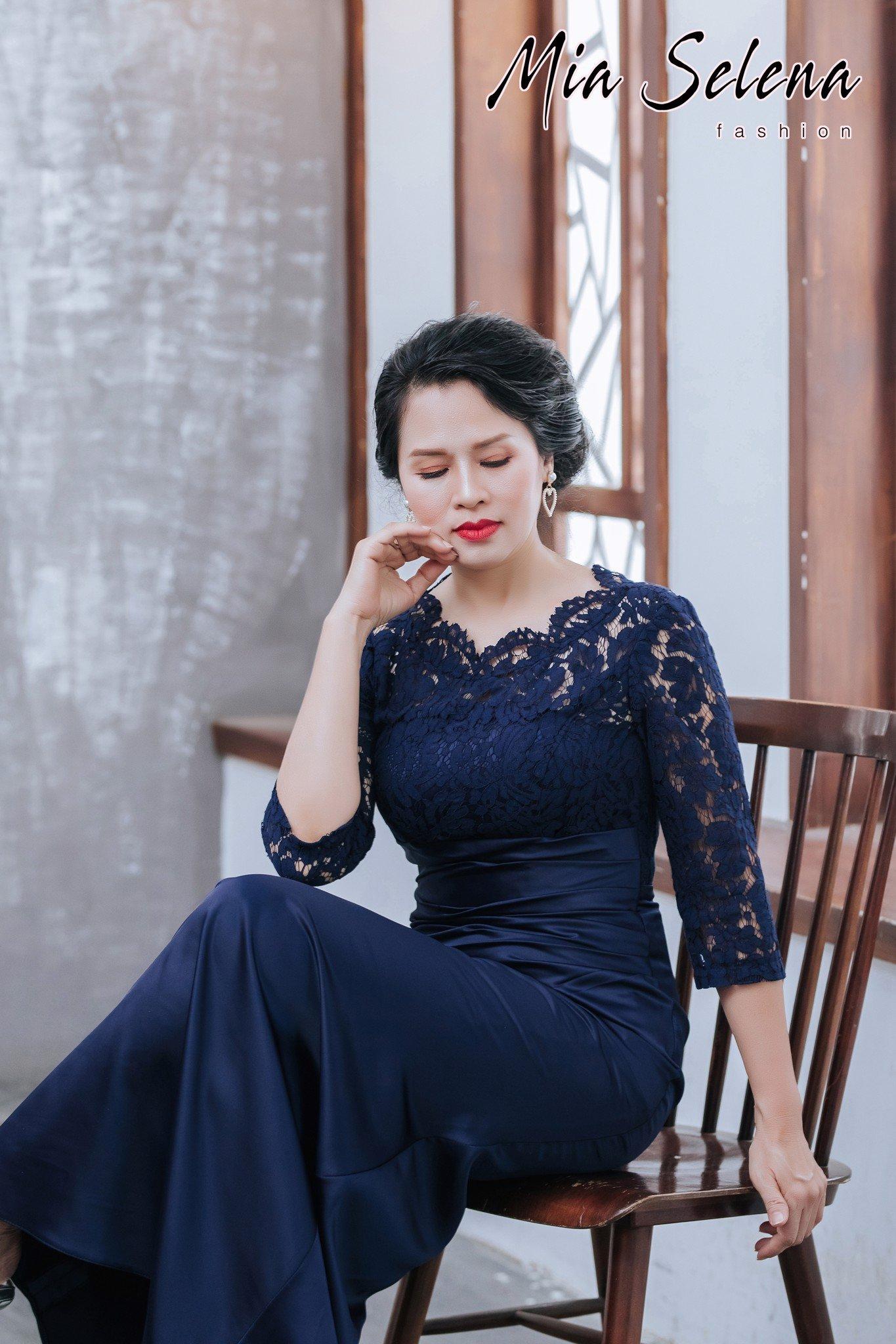 Đầm dạ hội trung niên Mia Selena thiết kế phối ren sang trọng (Xanh)