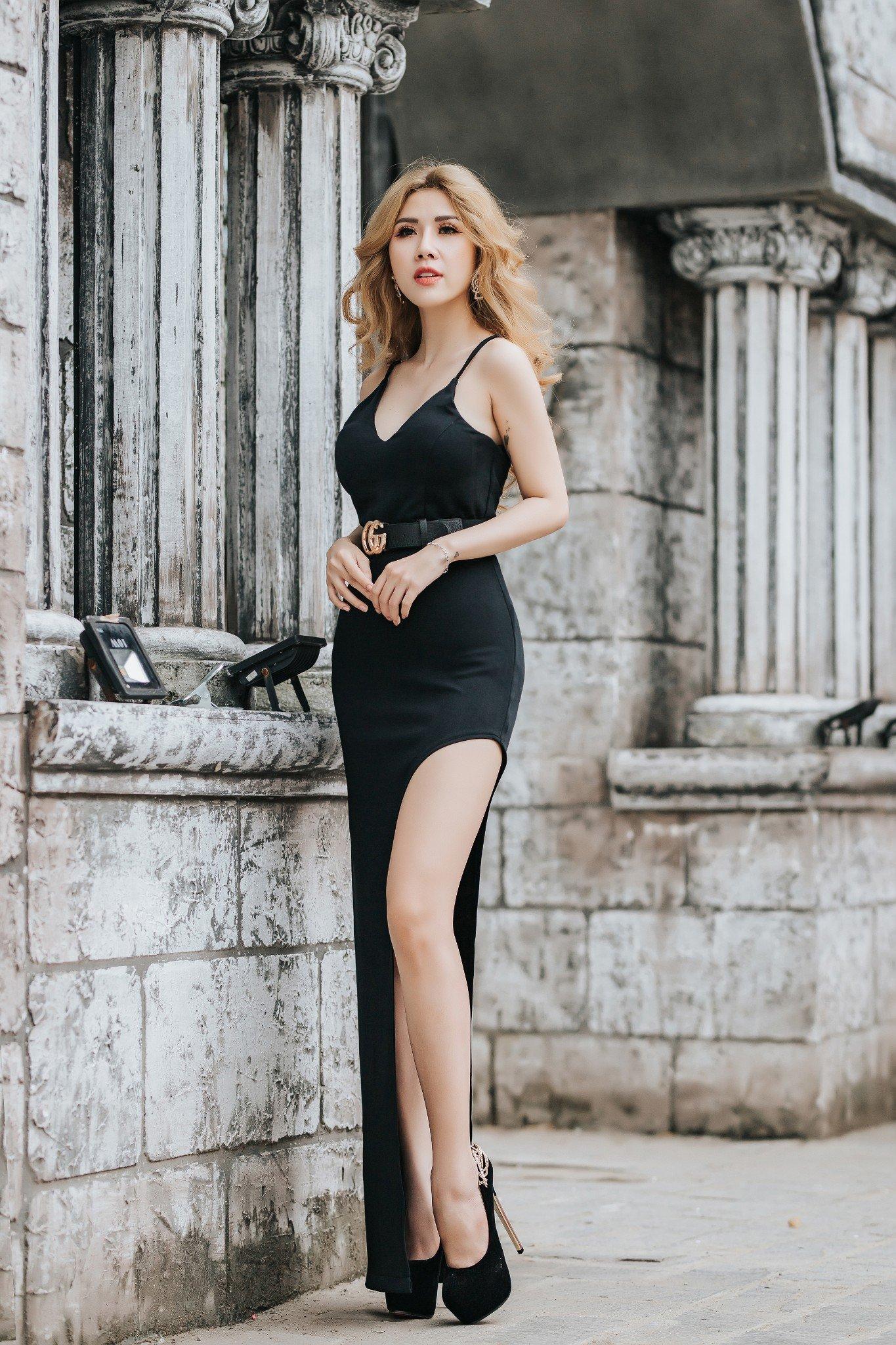 Đầm dạ hội Mia Selena thiết kế hai dây xẻ đùi tuyệt đẹp (Đen)