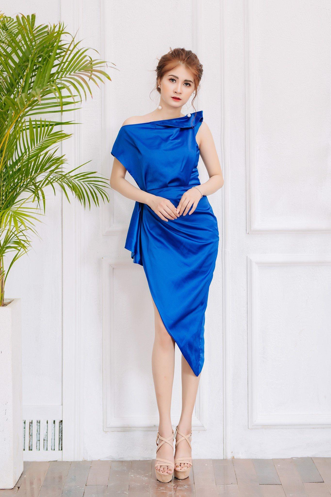 Đầm Mia Selena xẻ đùi thiết kế cực sang chảnh (Xanh)