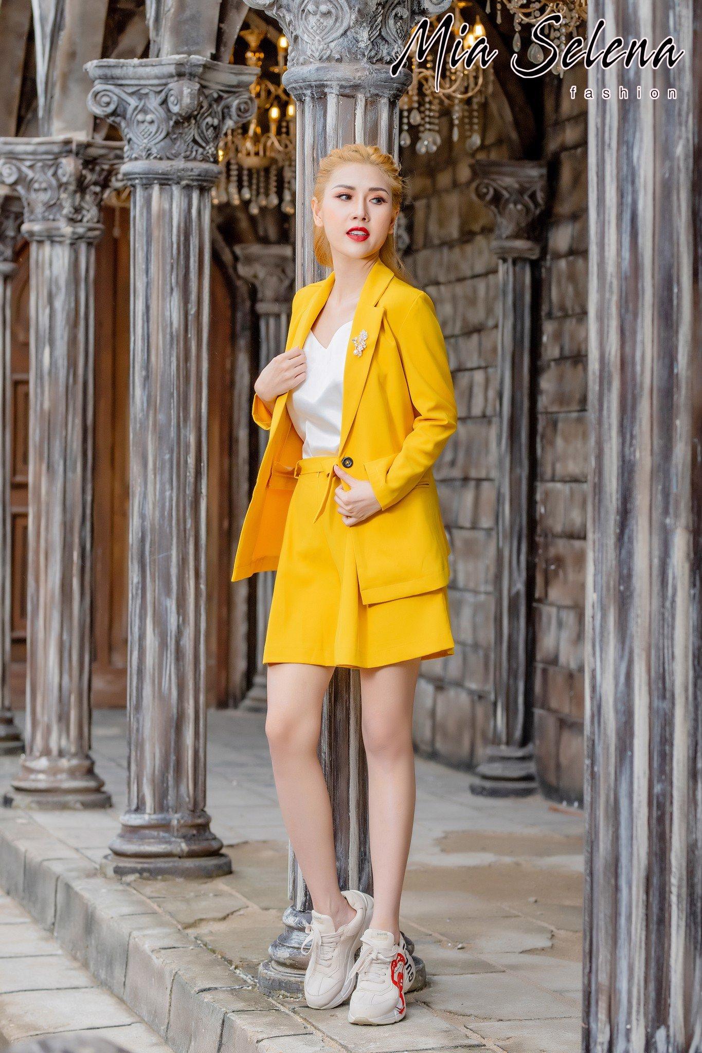 Set vest Mia Selena áo vest,quần đùi cực sang chảnh (Vàng)