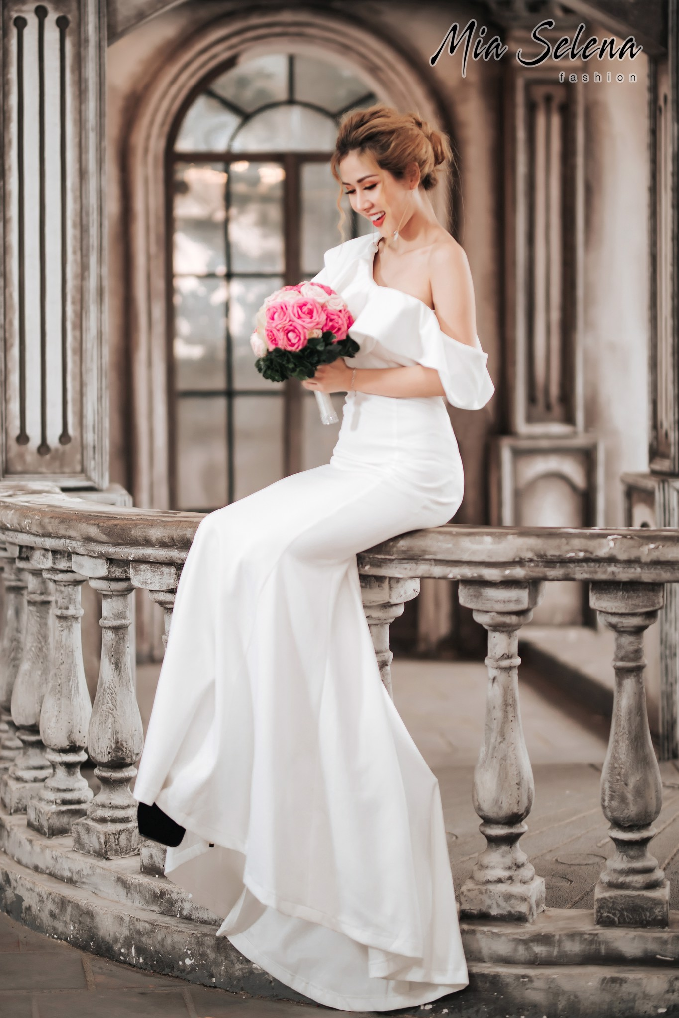 Đầm cưới Mia Selena thiết kế lệch vai phong cách(Trắng)