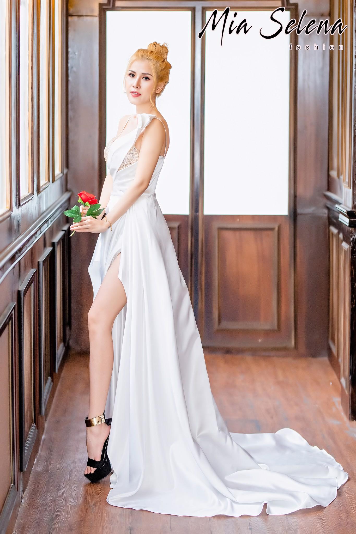 Đầm cưới Mia Selena thiết kế phối kim tuyến tuyệt đẹp,sang chảnh (Trắng)