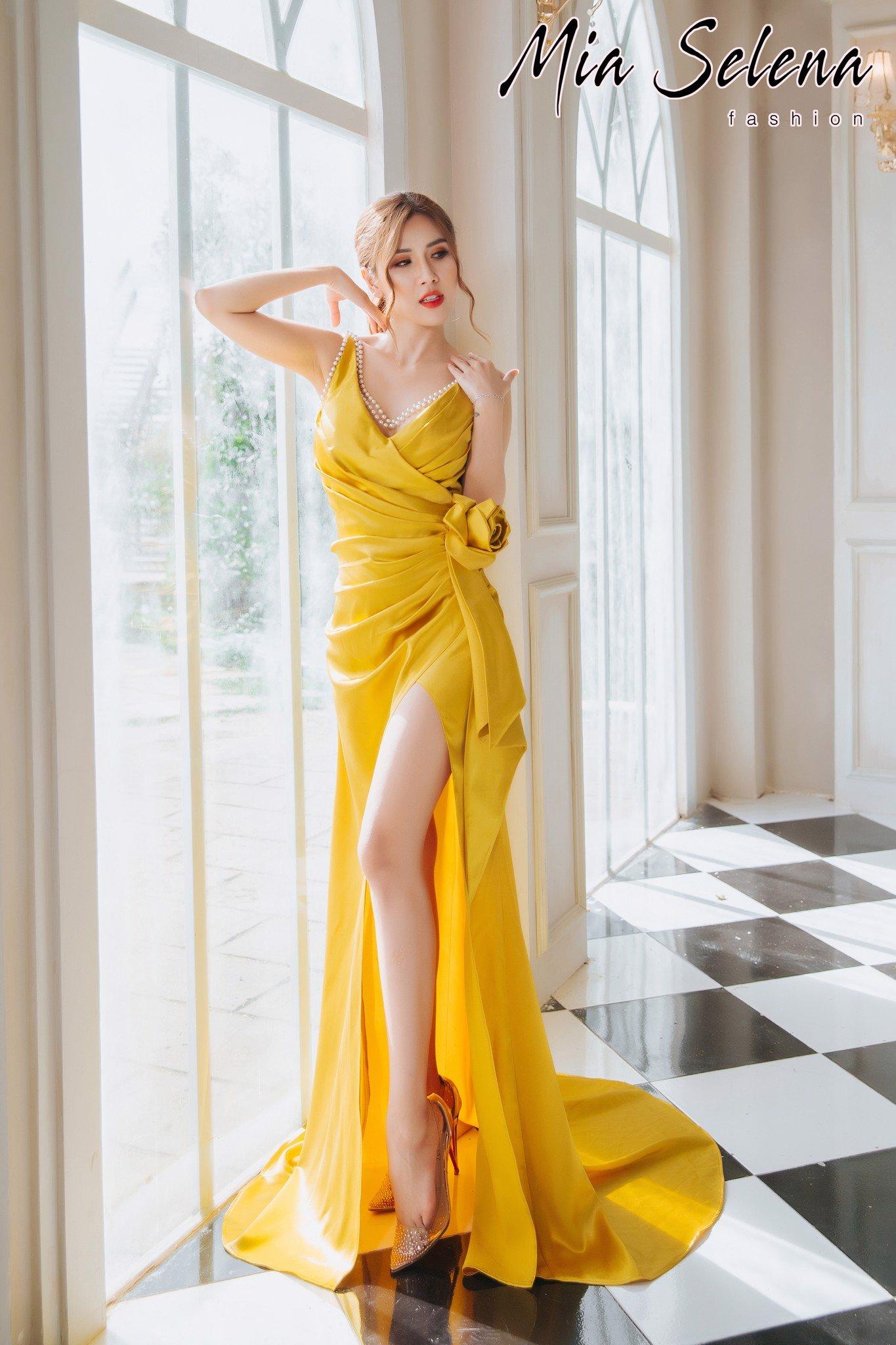Đầm dạ hội Mia Selena thiết kế hai dây kết cườm phối hoa tuyệt đẹp (Vàng )