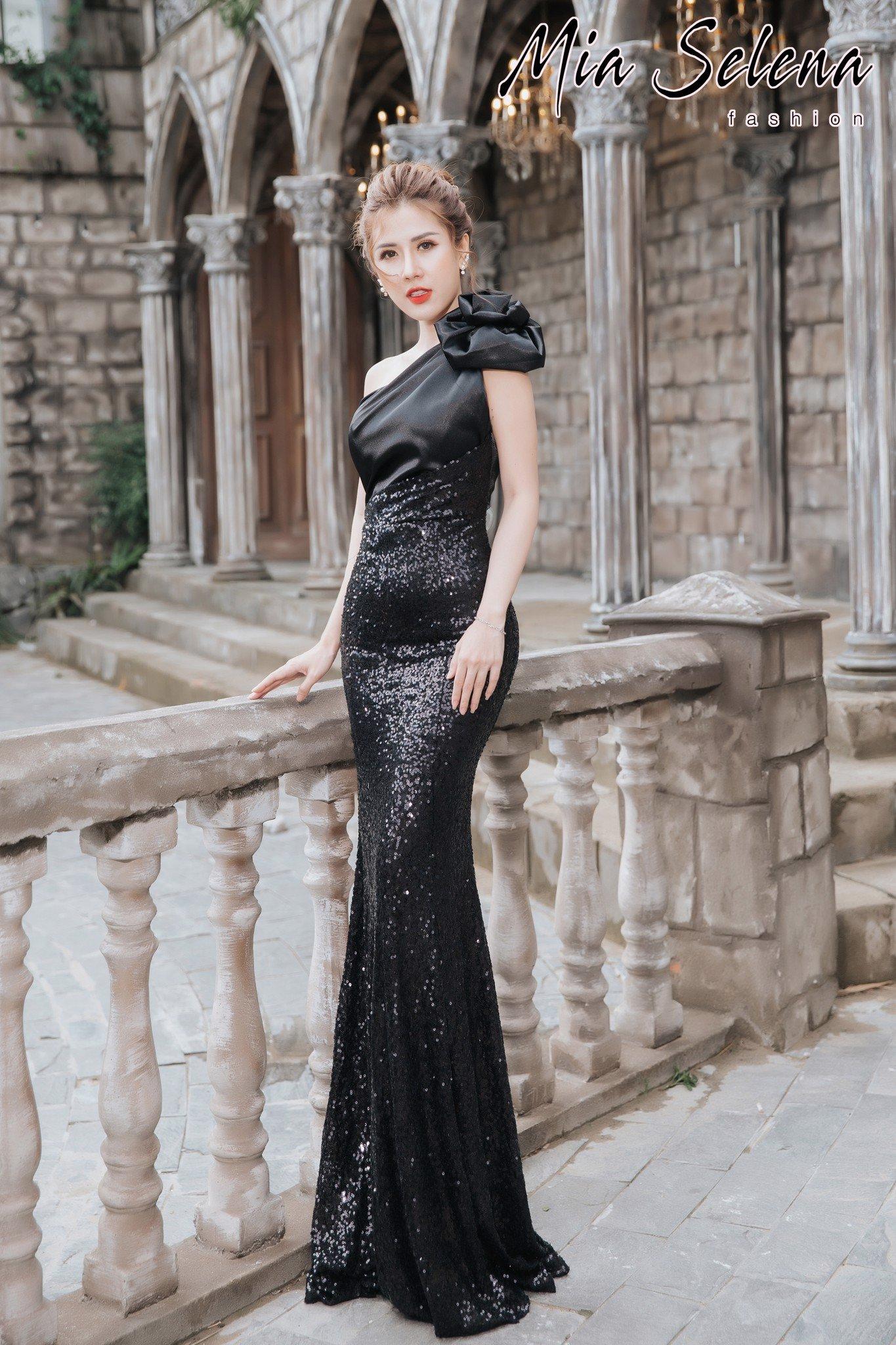Đầm dạ hội Mia Selena thiết kế lệch vai phối hoa cực đẹp (Đen-Trắng)