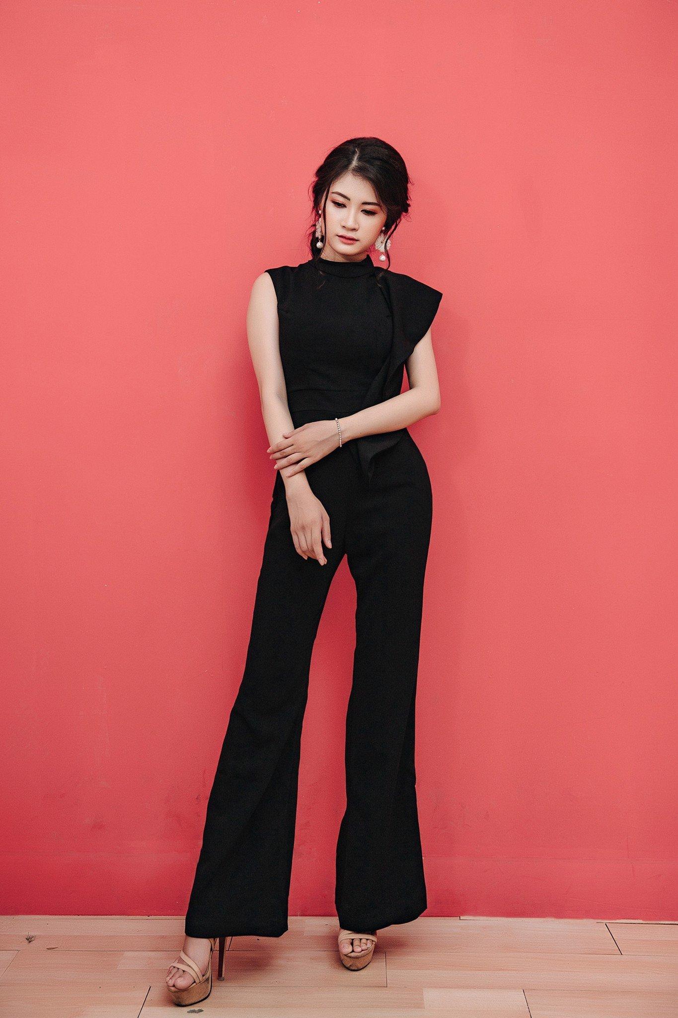 Jumsuit thời trang Mia Selena thiết kế trẻ trung phong cách (Đen)