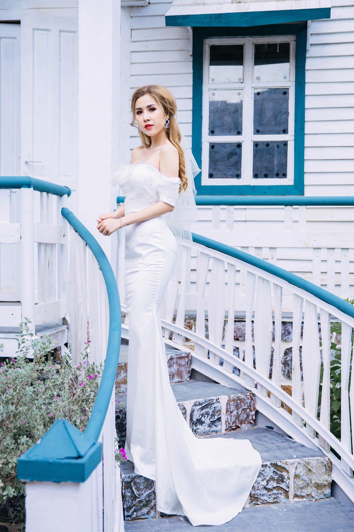 Đầm cưới Mia Selena thiết kế hở vai phối lưới hoa trước ngực cực tôn dáng(Trắng)