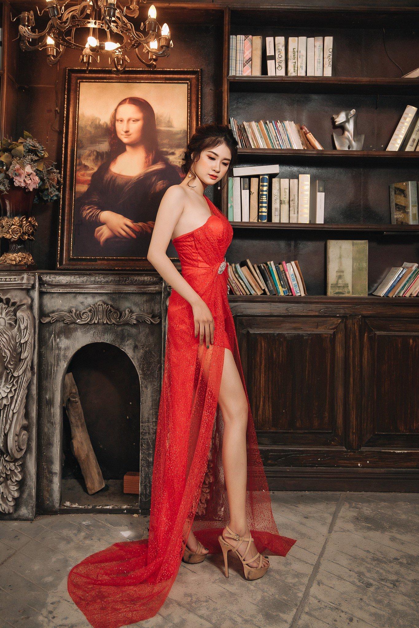 Đầm dạ hội Mia Selena kim tuyến thiết kế trẻ trung ( Đỏ )